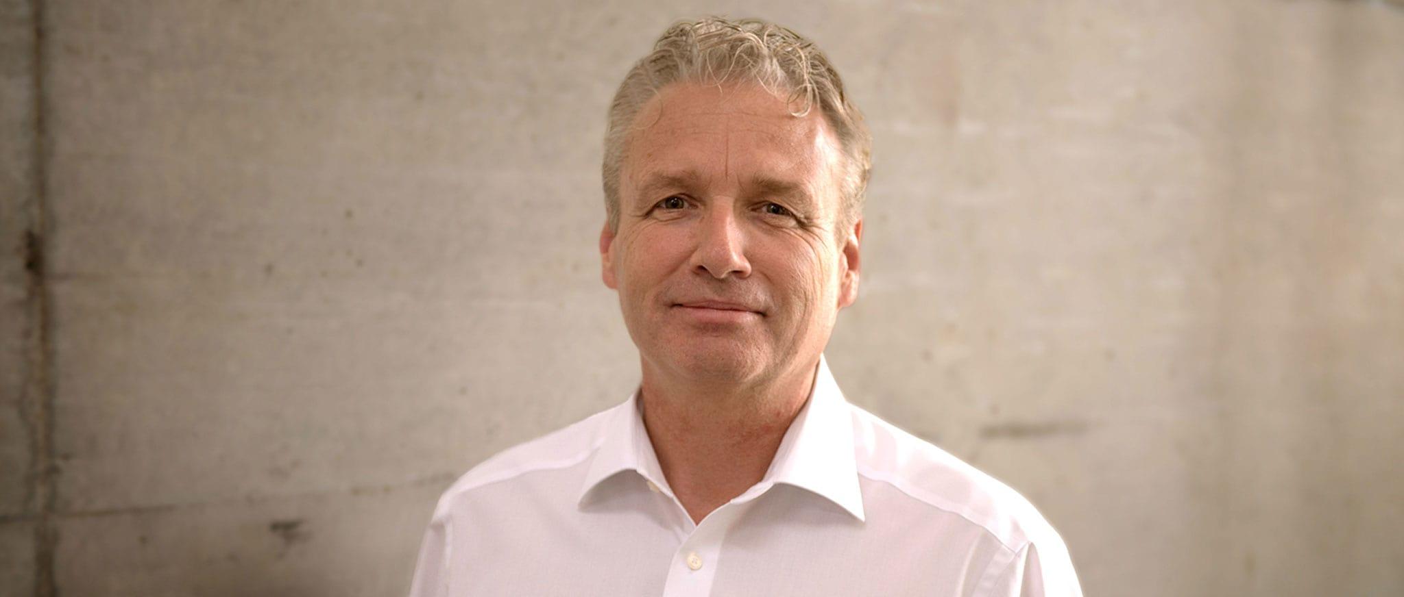 Chris Eckert, Header