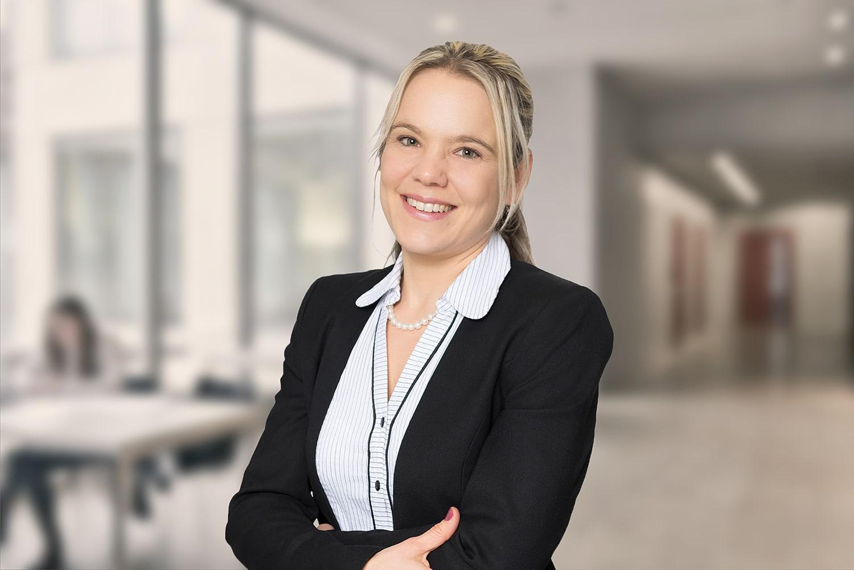 Portrait Melanie Knobelspiess Studiengangsleiterin HWZ
