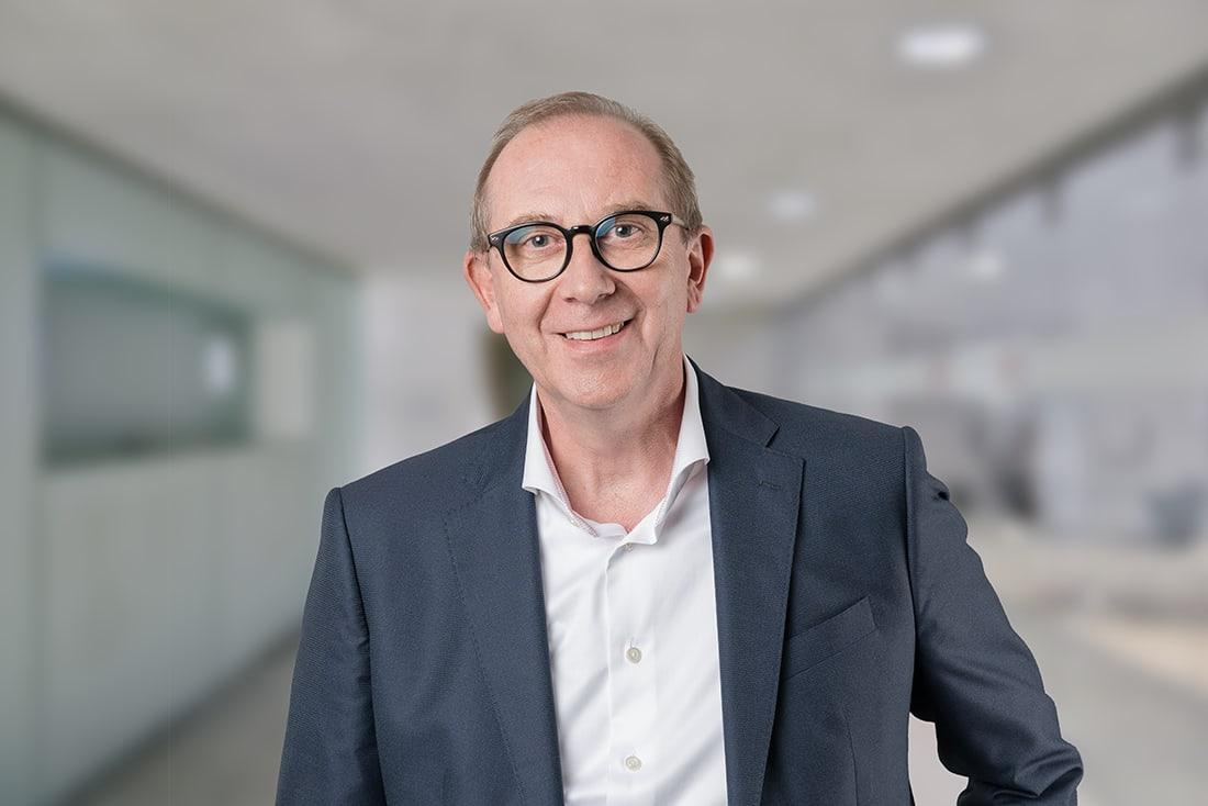 Portrait Peter Statz, Studiengangsleiter EMBA General Manager, Leiter Weiterbildung der HWZ