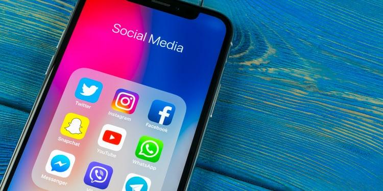 Visual CAS Social Media Management